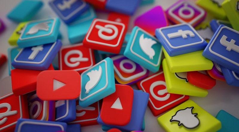 Facebook, Instagram , Whatsapp , YouTube ,Twitter y Facebook Mesessenger el listado de las redes sociales mas usadas en España