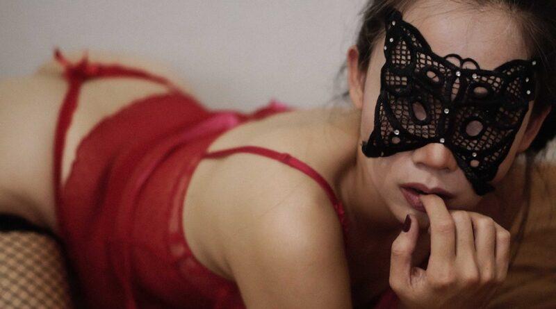 El mundo de las videollamadas eróticas, relaciones sensuales desde casa en época de crisis y epidemias